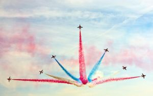 Red Arrows III by toosas