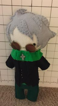 [RWBY] Ozpin felt plush by BaconFlavoredCosplay