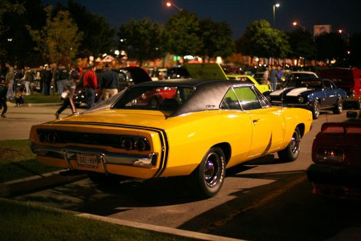 Yellow Charger by kaos42ze