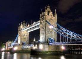 Tower Bridge HDR by woody1981