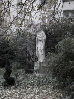 In the garden, he whispered... by Noemy009