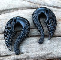 Celtic Ravens - Carved Jet Gauged Talon Earrings by DreamingDragonDesign