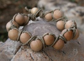 Natural Wood and Hemp Bracelet by clroavieg