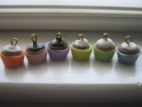 Cold Porcelain Cupcakes 2 by CraftyGirl27