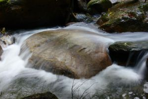 Water Over Rock by dseomn
