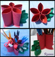 flower pencil holder by Nekomisuki