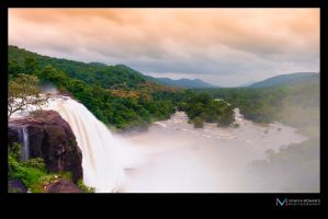 Athirapilly water falls by vinayan
