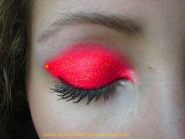 Gold- Strawberry make-up by Rosshi
