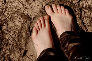 Sandy Toes (1) by SerenityStyles