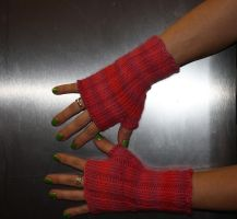 Pink Ribbed Mitts by jezebe11e