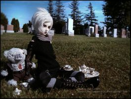 Teaparty in the cemetary by BelladonnaBJD