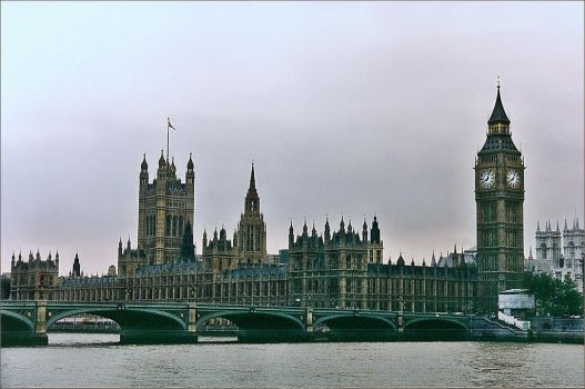 London Town by haloeffect1