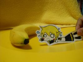 .:Len wants bananaaaa:. by SpiderlilyStory