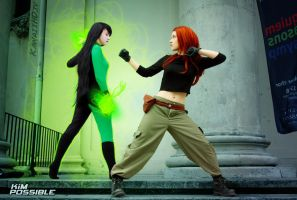 Kim Possible VS. Shego Cosplay Battle by KawaiiHD