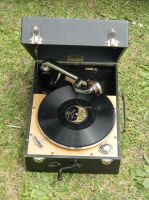 Wind-up Gramophone 002 - HB593200 by hb593200