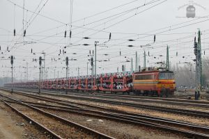 240 042-2 with freight in Komarom by morpheus880223