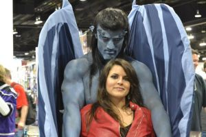 Gargoyles Goliath and Elisa Cosplay at DCC 2014 12 by PhoenixForce85