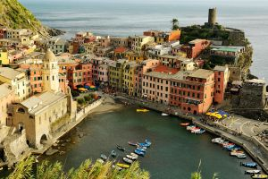 Vernazza below 1 by wildplaces