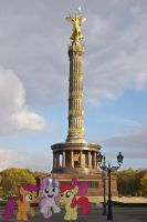 CMC at the Berlin Victory Monument by laopokia