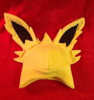 Jolteon Fleece Hat by PakajunaTufty