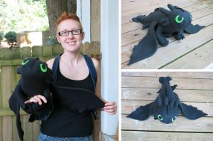 Toothless Plushie by angermuffin