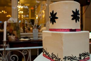Modern Wedding Cake Detail 2 by GaelStorm