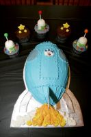 rocket ship cake by pinkshoegirl