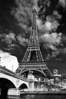 la tour Eiffel by EisNeXuS