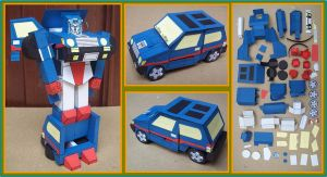 Autobot Car SKIDS hecho en cartulina by Paperman2010