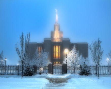 Calgary Temple by icebiker