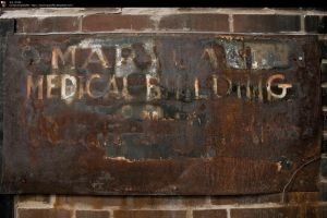 SS-0189 Rusted Sign by Stocking-Stuffer
