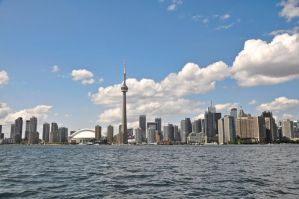 Toronto Skyline by QueSaraSarah