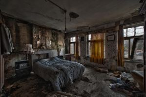 Vanneste's bedroom by CyrnicUrbex