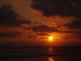 Sunset at the beach by sixt0p