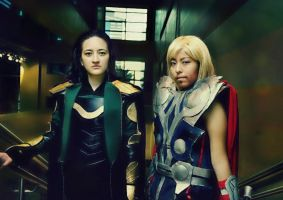 Loki and Thor Avengers cosplay by Oniakako