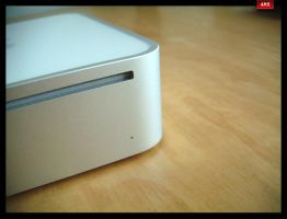 mac mini by alienmachinehead