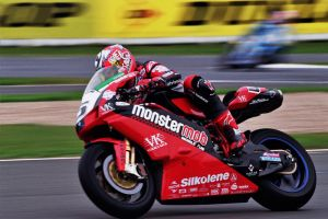superbikes - silverstone 2004 by Pystoph
