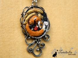 Pendant The winged fox by Tantalia