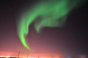 Aurora Borealis Hook in Prudhoe Bay by willwittey