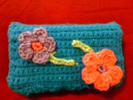 Crochet DS Case with girly flowers by lovechairmanmeow