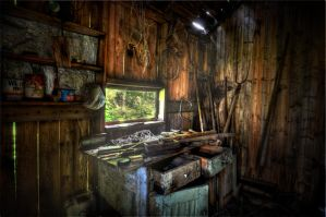 The Shed HDR Workshop-wchild by chalutplease