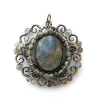 silver labradorite medallion by annie-jewelry
