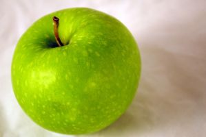 A Green Apple by marlirae