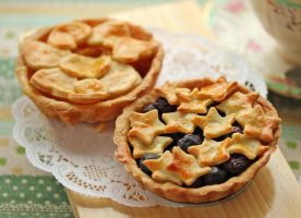 Starry Blueberries and Mango Heart Pies by StrangeWonderland