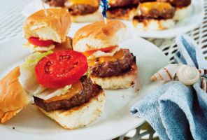 Cheese Burgers Sliders by noregretting91