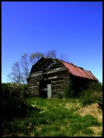 Decrepit Barn by sillylittleidiot