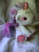 Unicorn by BIuntness