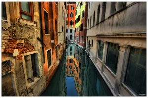 Street-Water-life 2 by hellpics