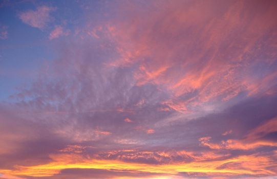 Colourfull Sky by H3nsh