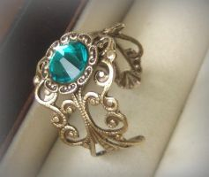 Ma Petite Ring by DesireeMorte